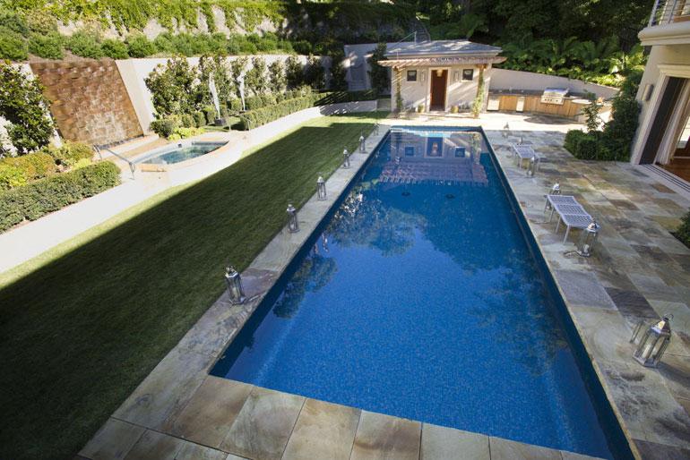 Diaporama 8 r nos qui n 39 augmentent pas vraiment la valeur for Construction piscine creusee