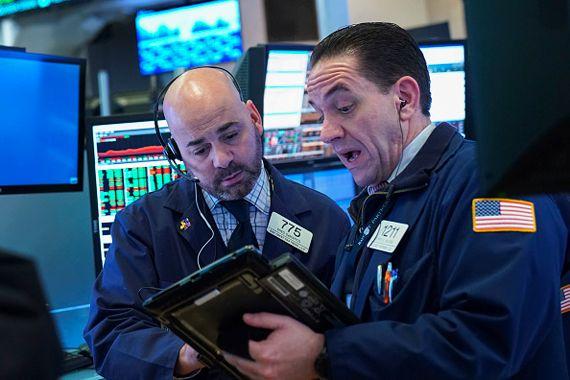 Les marchés creusent leurs pertes à midi — Bourse