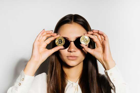 Le bitcoin frôle les 17.000 dollars, les hackers en embuscade