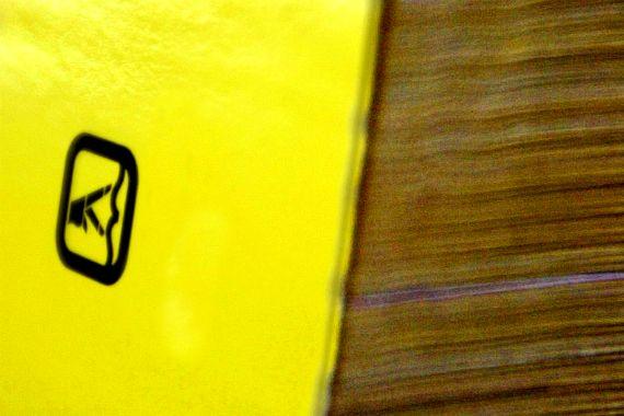 une mise en vente serait la meilleure solution pour pages jaunes. Black Bedroom Furniture Sets. Home Design Ideas