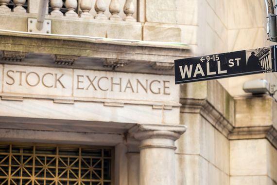 Wall Street termine en forte hausse grâce à l'emploi et Powell