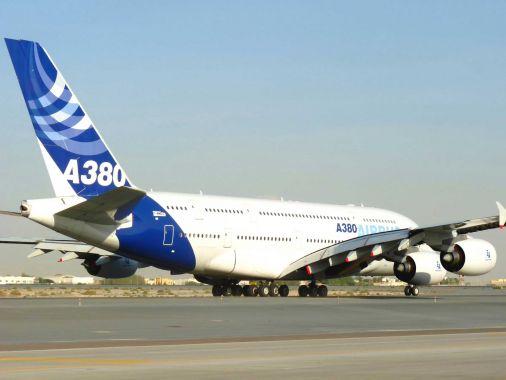 Emirates vole à la rescousse de l'A380 d'Airbus, le marché applaudit — Airbus