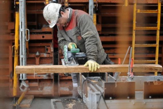 Le taux de chômage atteint 8,6% au Canada - secteurs-d-activite ...
