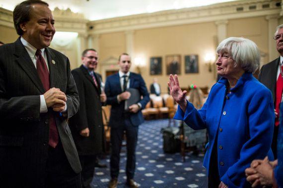 Troisième hausse des taux cette année — Fed