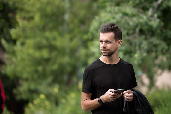 Twitter poursuit son redressement et s'envole en Bourse