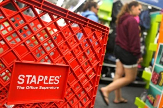 Desjardins acquiert les cartes de crédit de staples lesaffaires.com