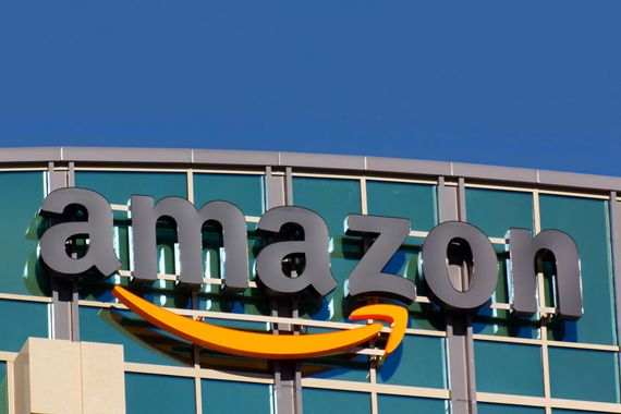 Une centaine de personnes manifestent contre la venue d'Amazon à New York