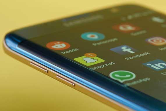 Les millennials préfèrent Instagram et Snapchat à Facebook