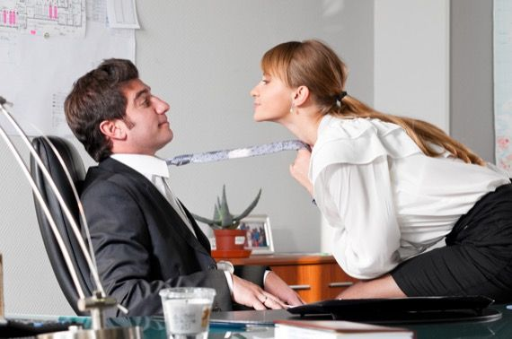 L amour au bureau et son impact sur vos placements lesaffaires