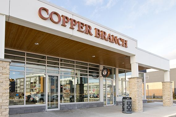 Devanture d'un magasin Copper Branch