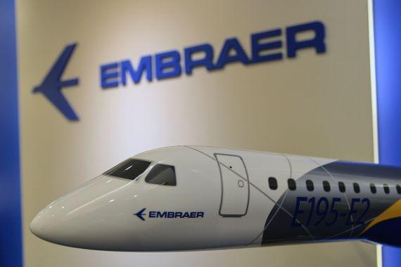 Le titre Embraer bondit de 21% — Discussions avec Boeing