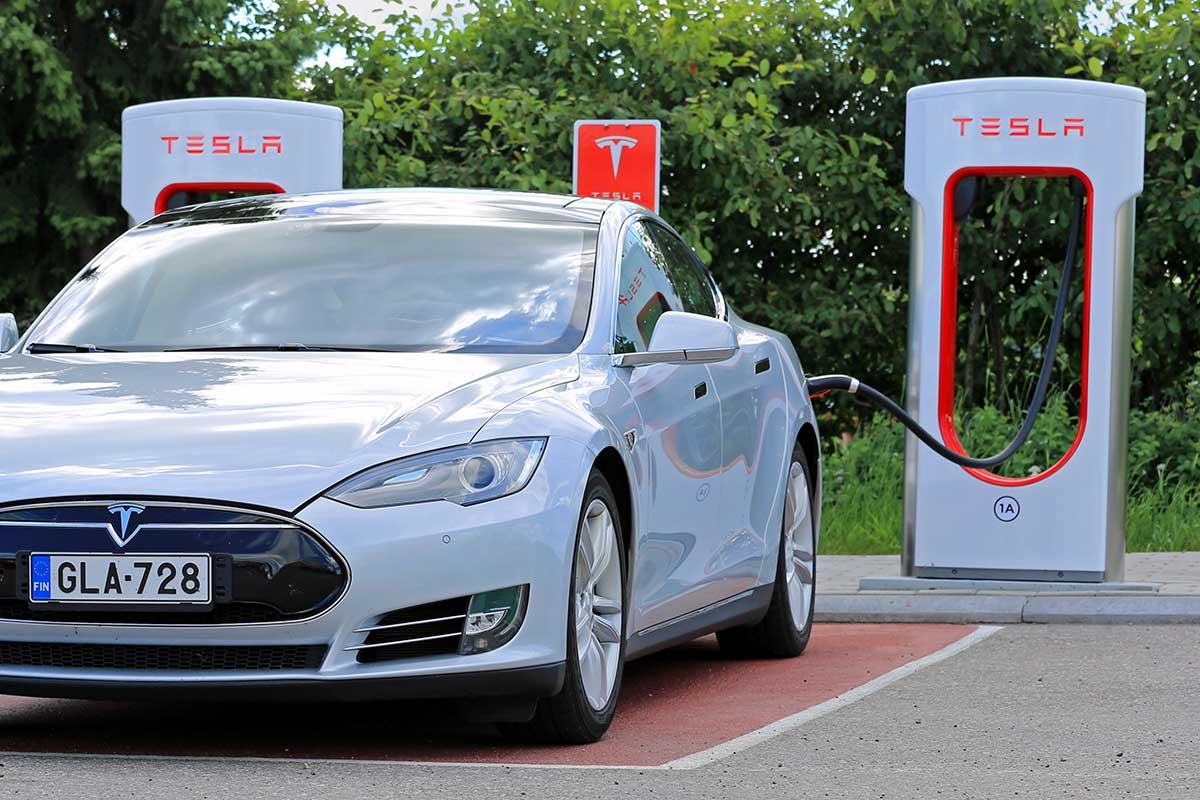 Tesla Le R 233 Seau De Superchargeurs Le Plus 233 Tendu
